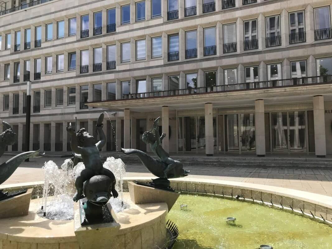Gerling Quartier - Brunnenfiguren von Arno Breker