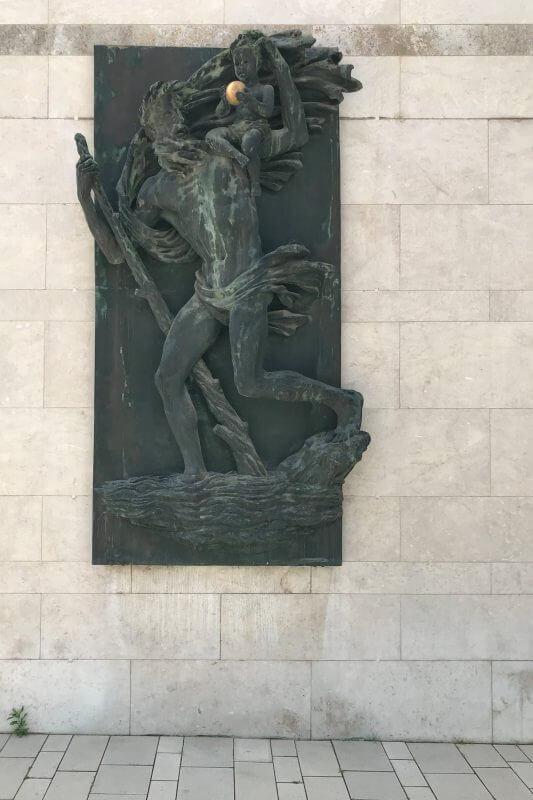 Gerling Quartier Wandrelief von Arno Breker - Der heilige Christopherus